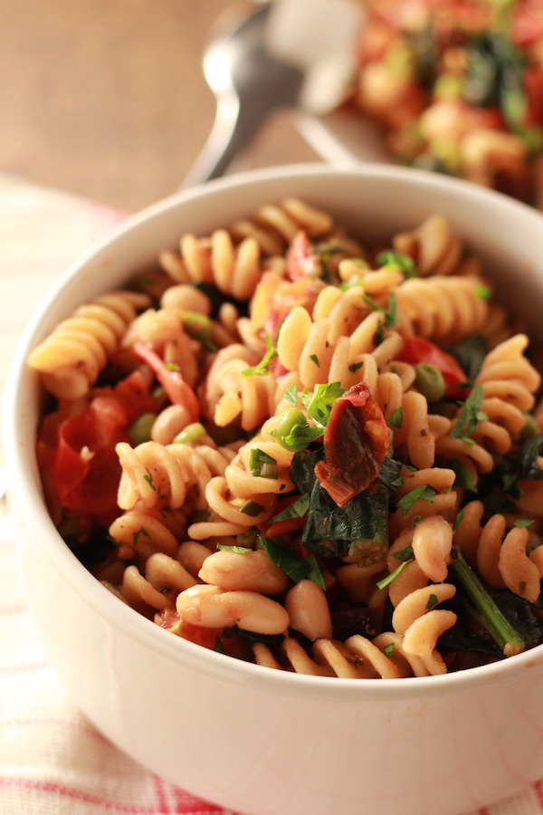 Rotini Pasta with Tomatoes, Kale and Peas/nourishyourselfnow.com