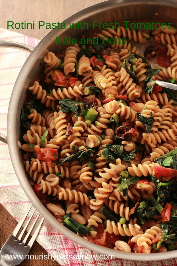 Rotini Pasta with Fresh Tomatoes, Kale and Peas/nourishyourselfnow.com