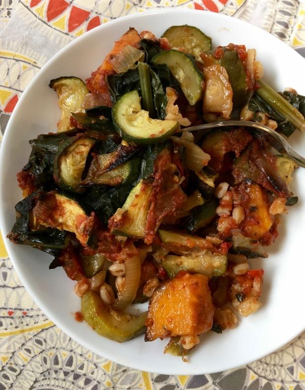 suashfarrozucchini-casserole/nourishyourselfnow.com
